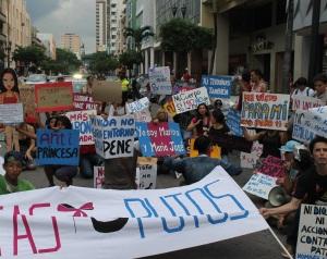 Marcha de las Putas y Putos Guayaquil - Ecuador - Asociación Silueta X (35)