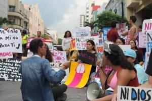 Marcha de las Putas y Putos Guayaquil - Ecuador - Asociación Silueta X (46)