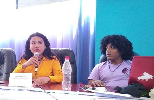 Diane Rodríguez, sobre transfeminismo en foro académico por el día internacional de la mujer aliada feminista del movimiento transfemenina