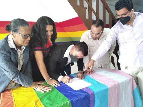 Firma - ACCIÓN DE PROTECCIÓN CONTRA EL CONSEJO PARA LA IGUALDAD DE GÉNERO PARA LA CONFORMACIÓN DEL CONSEJO CONSULTIVO LGBTI - Asociación Silueta X - Campaña Tiempo de Igualdad (3)