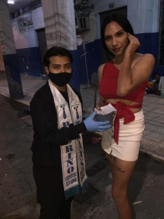 Pruebas de VIH iinerantes y meriendas ambulatorias para mujeres trans trabajadoras sexuales por parte de Asociación Silueta X (42)