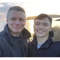 #Europa| Atacan a legislador británico con comentarios homofóbicos por publicar foto con su novio